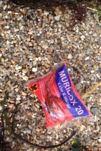 Bolsa Raticida na Praia do Areal
